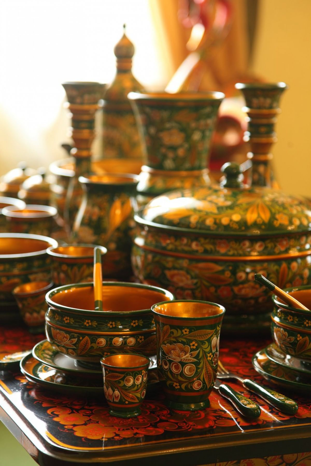 Хохломская роспись посуды
