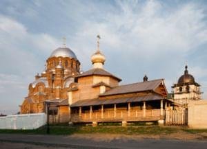 Комплекс исторических зданий в Свияжске