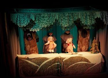 Спектакль «Два жадных медвежонка»
