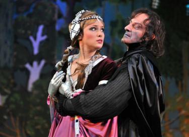 Спектакль «Не хочу, чтобы ты выходила замуж за принца...»