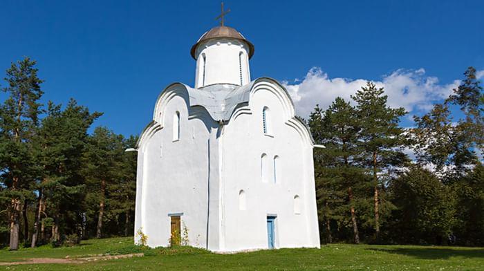 Церковь Рождества Богородицы в Перынском скиту.