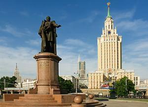 Высотное здание на Комсомольской площади (гостиница «Ленинградская)