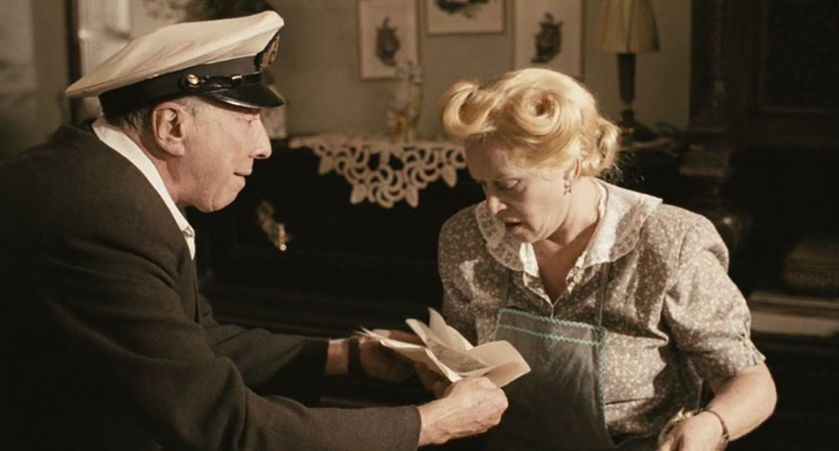 Кадр из фильма «Полторы комнаты, или Сентиментальное путешествие на родину»