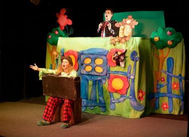 Спектакль «Курочка Ряба, или Сказка о простом счастье и золотом несчастье»