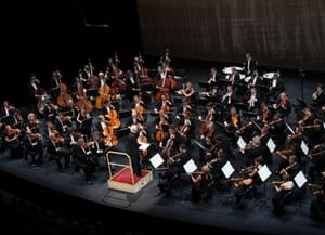 Заслуженный коллектив академического симфонического оркестра Санкт-Петербургской филармонии