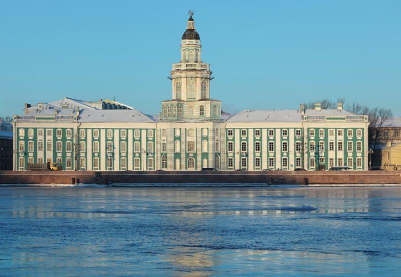 Кунсткамера в Санкт-Петербурге - история фото описание цены 2020 карта
