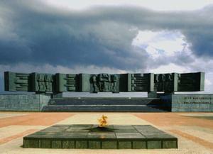 Мемориал «В честь героев Курской битвы»