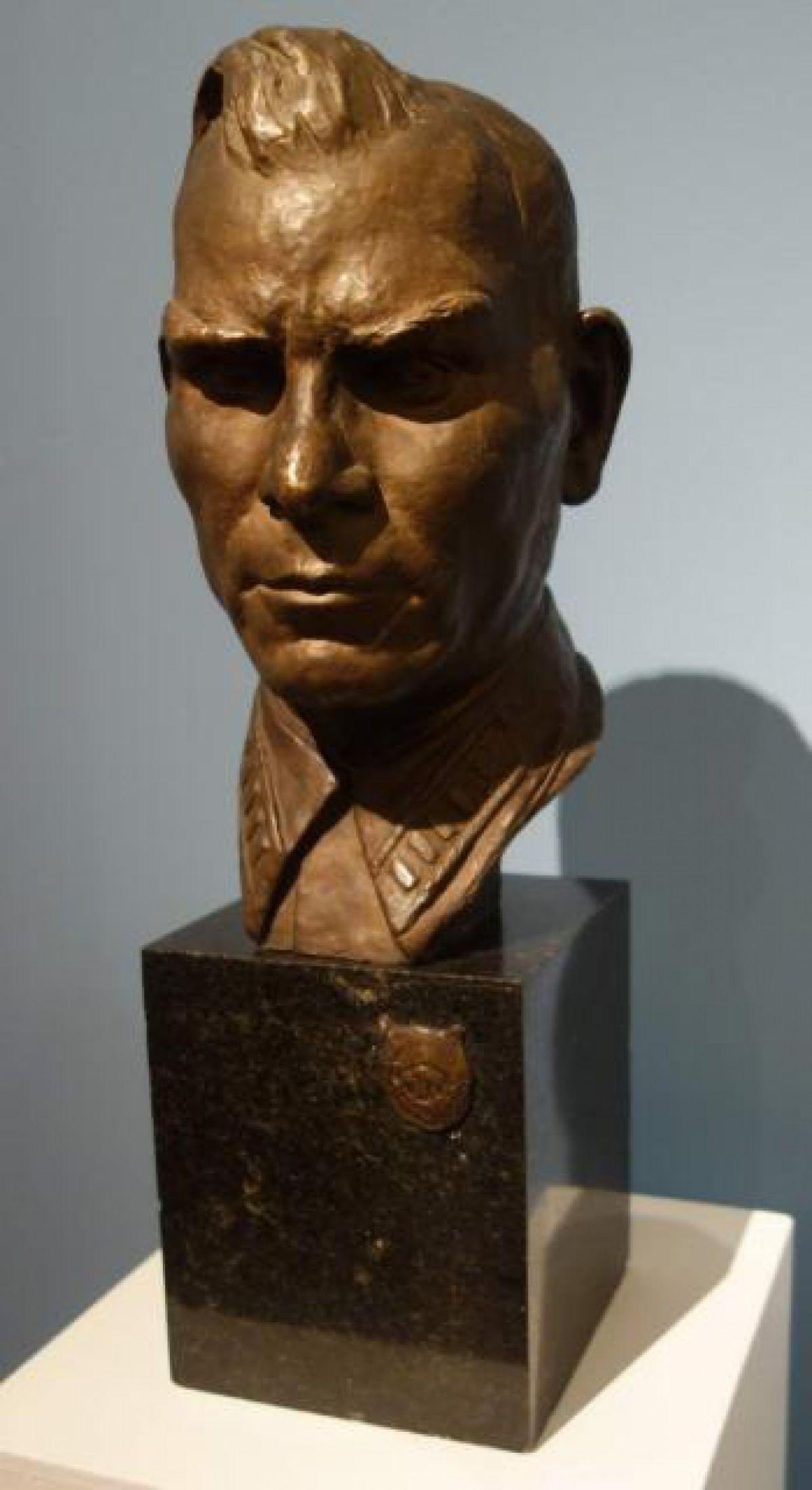 Скульптуры Веры Мухиной