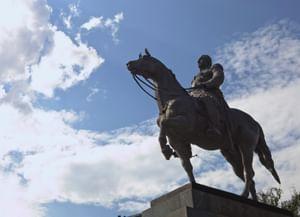 На коне. Всадники, перемахнувшие через столетия