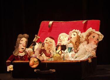 Спектакль «Куклы из чемодана»