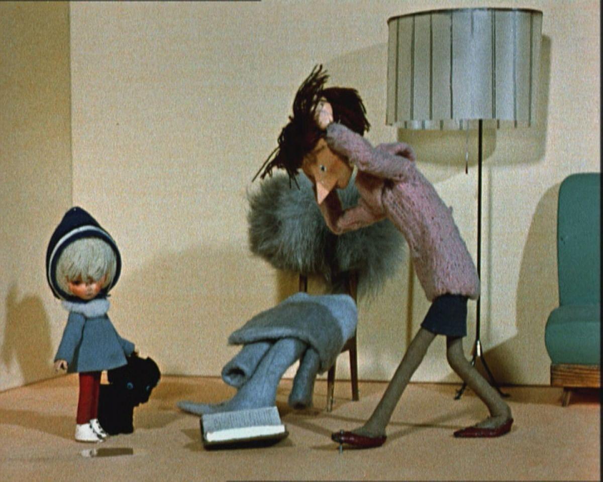 Кадр из мультфильма «Варежка»