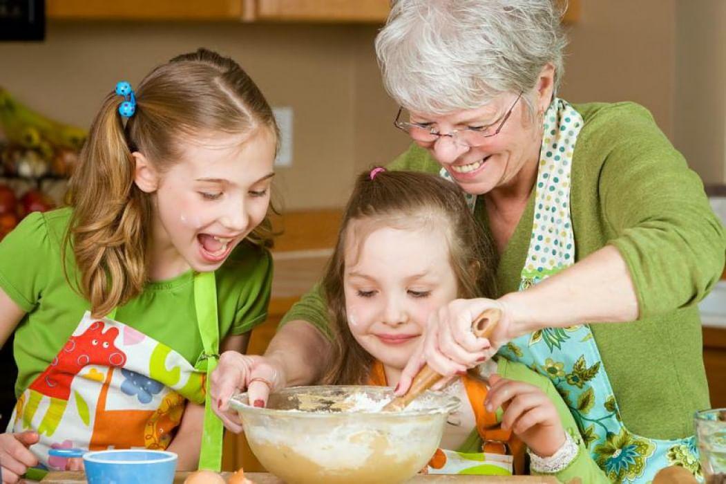 Картинки занятия бабушки