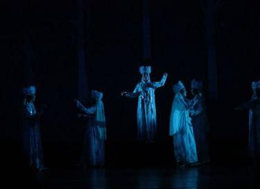 Спектакль «Улейские девушки»