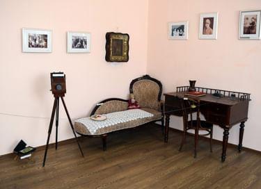 Выставка «Семейная реликвия. Крепка семья – сильна Россия»