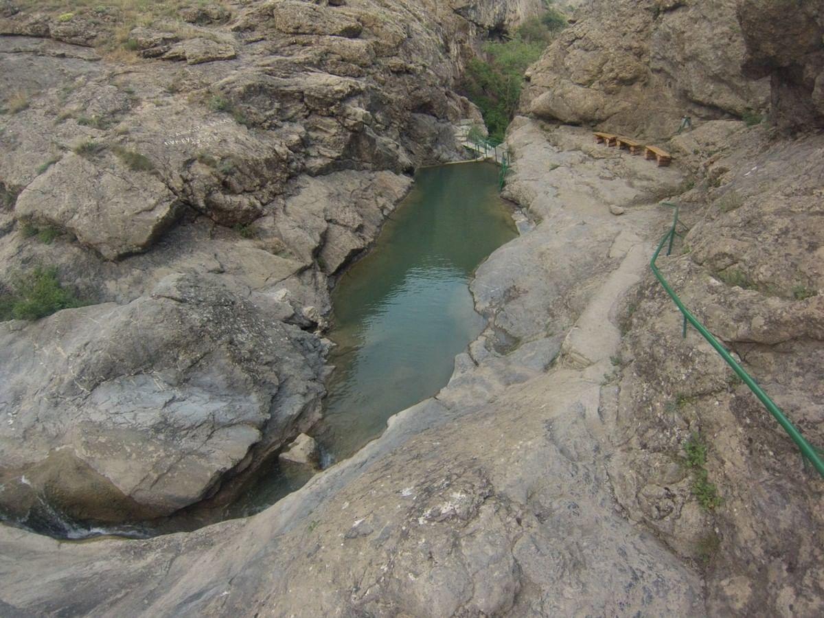 Урочище Панагия и Арапатские водопады, Петра ту Ромиу