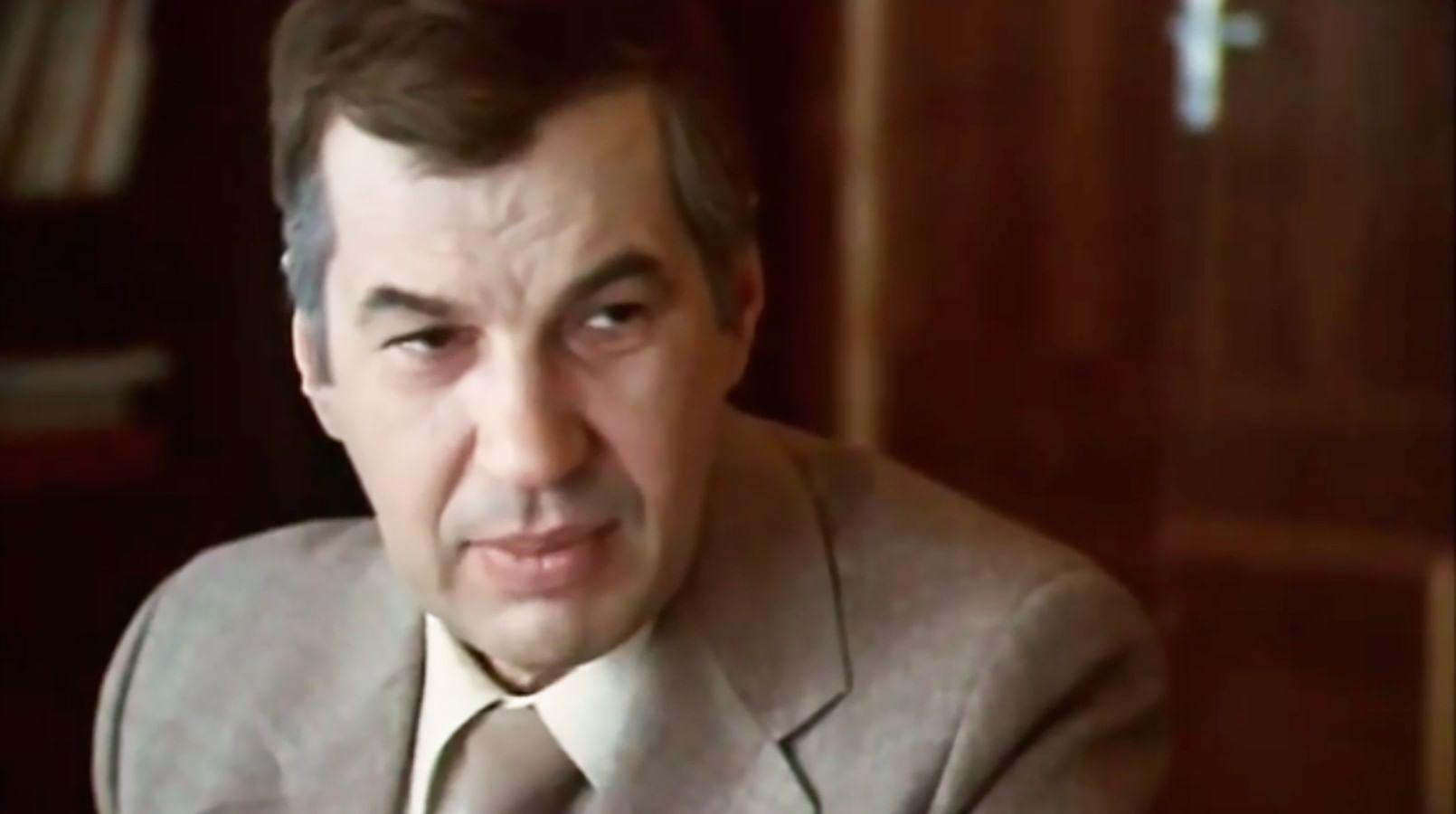 Кадр из фильма «Профессия – следователь»
