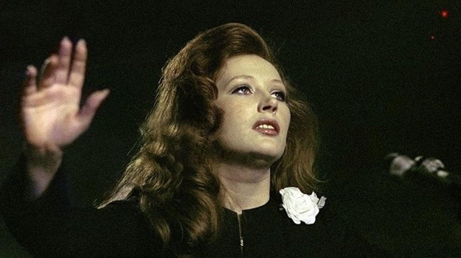 Картинки по запросу алла пугачёва женщина которая поёт