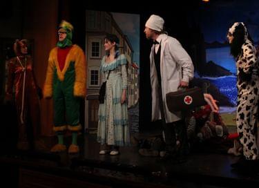 Спектакль «Айболит спешит на помощь»