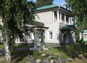 Дом с мезонином музея «Кижи» в квартале исторической застройки г. Петрозаводска