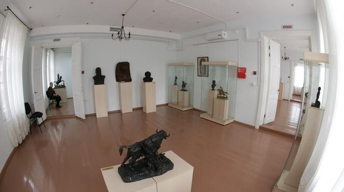 Галерея скульптуры Иркутского областного художественного музея им. В. П. Сукачёва