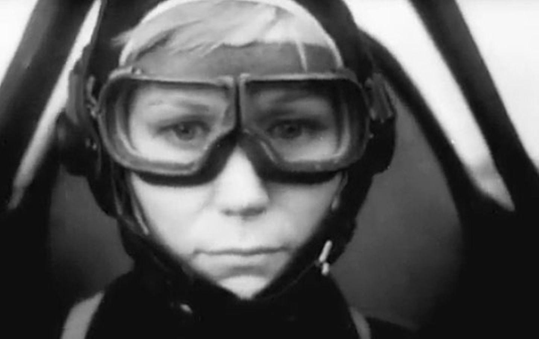 Кадры из фильма «Крылья»
