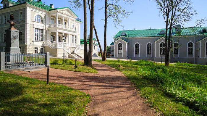 Дворцово-парковый ансамбль в д. Бородино
