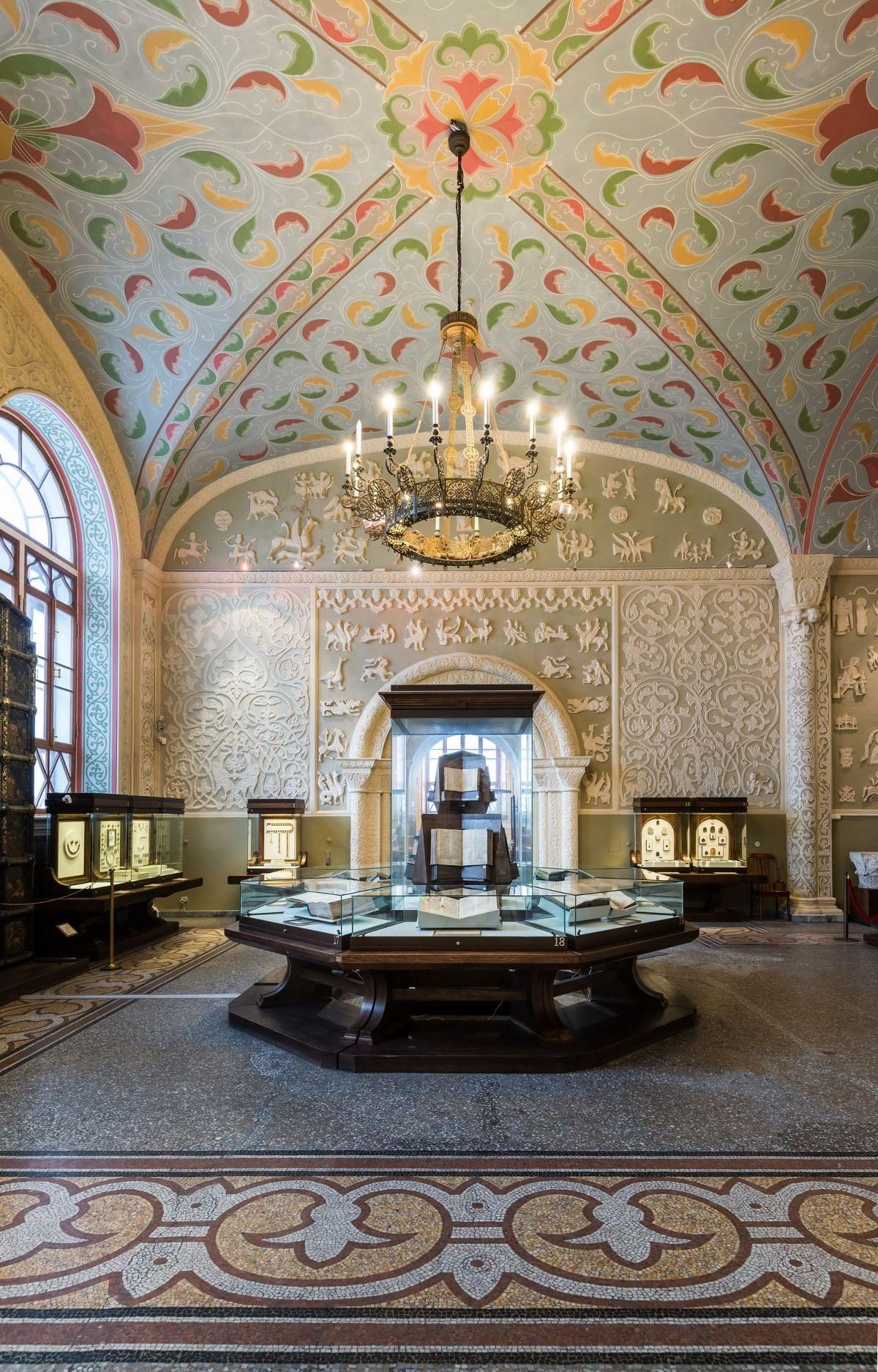Здание как экспонат: Неповторимый ГИМ. Суздальский зал