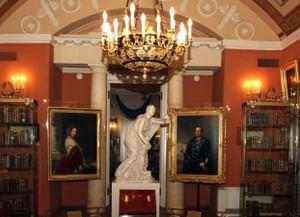 28 уникальных картин из частного собрания представили в Музее Пушкина