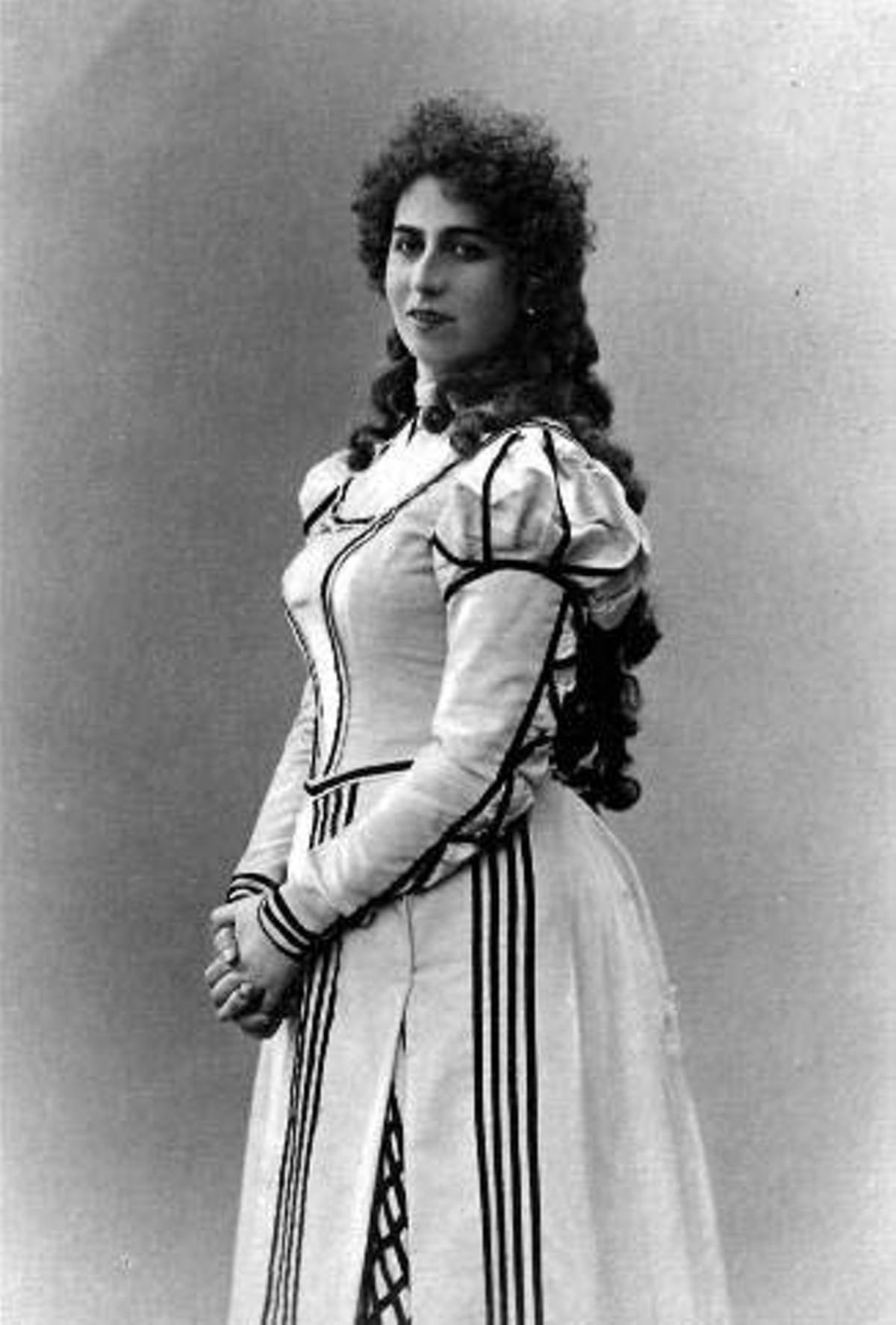 «Орфей в женском платье» Антонина Нежданова. Галерея 1