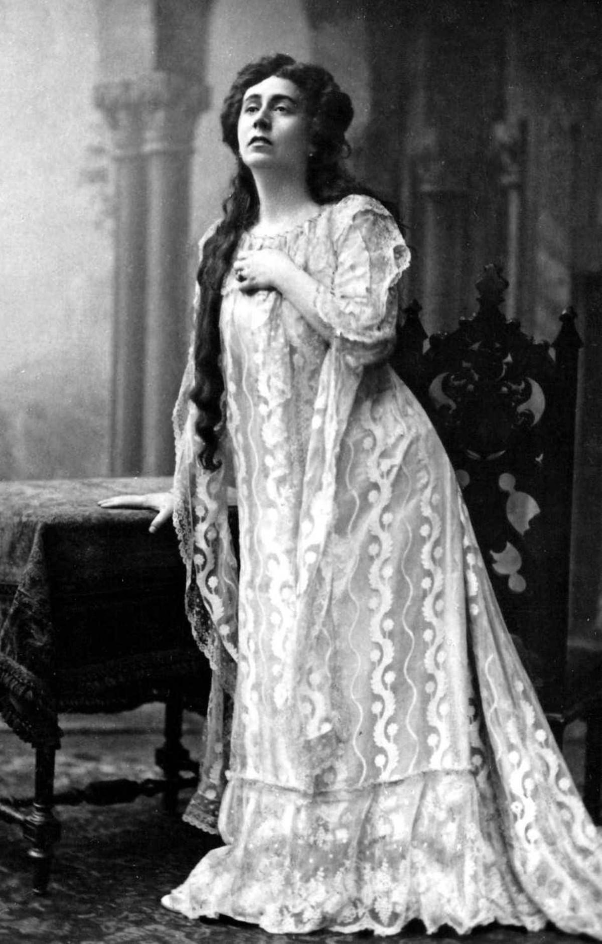 «Орфей в женском платье» Антонина Нежданова. Галерея 3