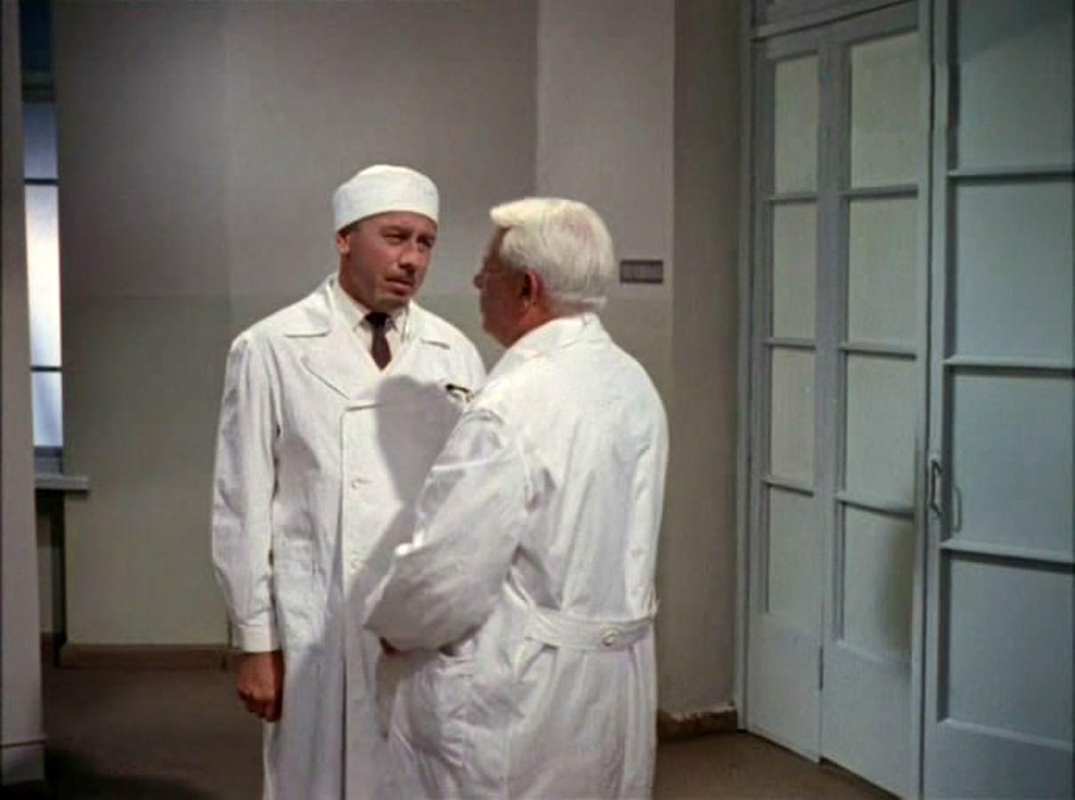 Киногерои в белых халатах. Галерея 3
