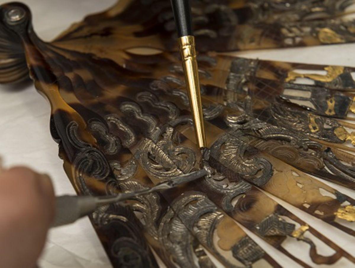 Как реставрируют веера? Спецпроект Центра имени Грабаря. Галерея 1