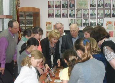 Выставки «Лыковы из Лыковой» и «Герои нашего времени»