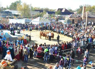 Литературно-этнографический праздник «Каргинская ярмарка на Покрова»