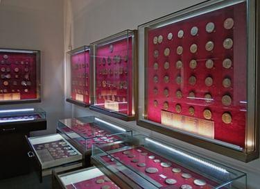 Выставка «Медальерный кабинет»
