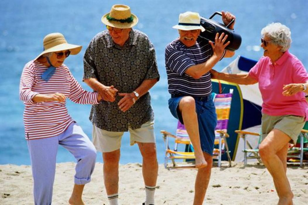Смешные картинки про богатых пенсионеров