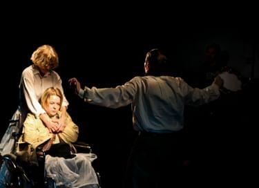 Спектакль «Клятвенные девы»