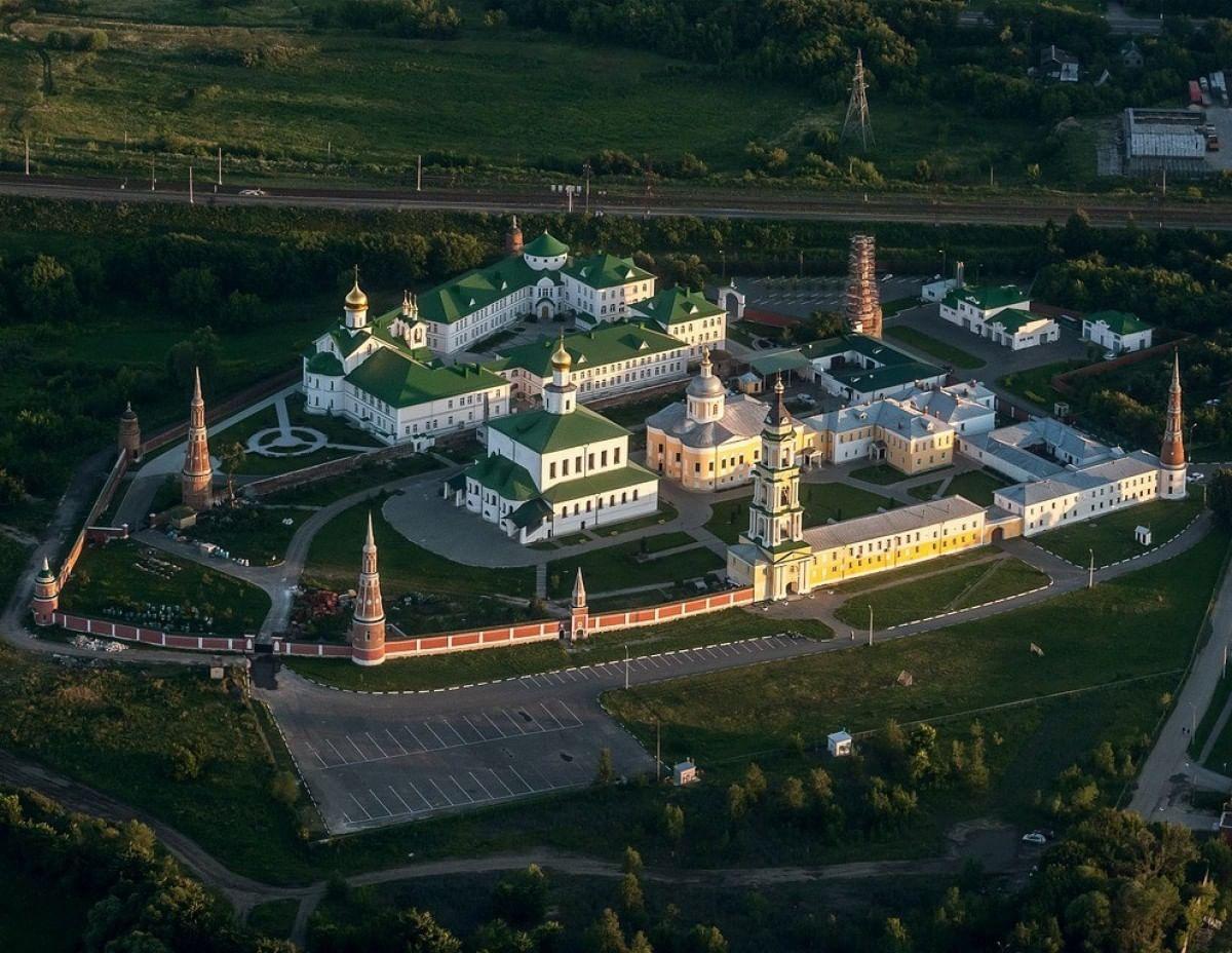 старо голутвинский монастырь фото