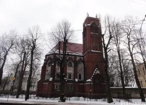 Кирха святого Адальберта, сейчас Западное отделение научно-исследовательского института земного магнетизма Академии Наук Российской Федерации (ИЗМИРАН) в Калининграде