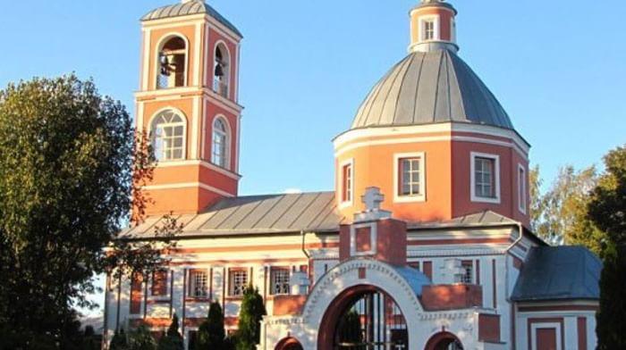 Храм Параскевы (Пятницы) в деревне Большая Тросна Тульской области