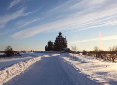 Программа «Путешествие на остров Кижи зимой. Встреча с мастером»