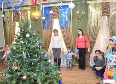 Новогодняя программа «Подарок для Деда Мороза»