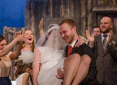 Спектакль «В день свадьбы»