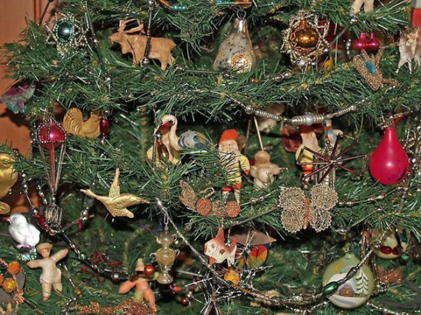 Традиция украшения ёлки середины XIX века