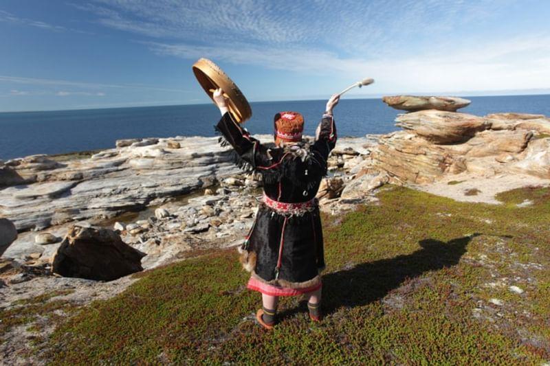 картинки шаман и север возраст уникален, поскольку