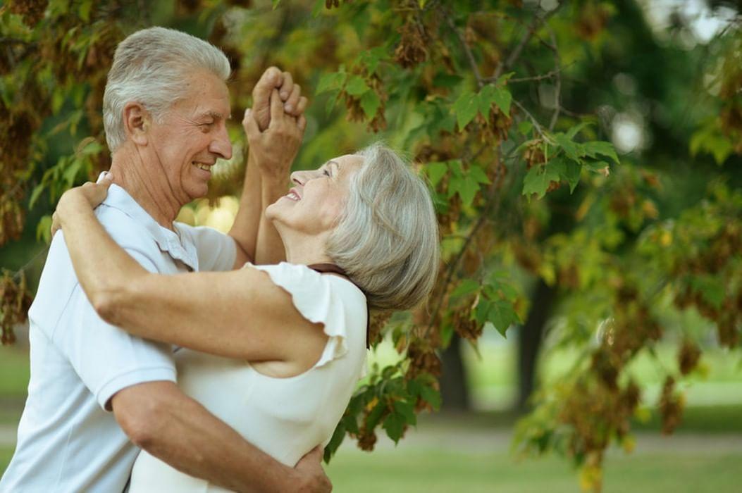 картинка свидание пожилых том, что