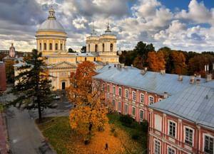 Концертный зал Александро-Невской Лавры