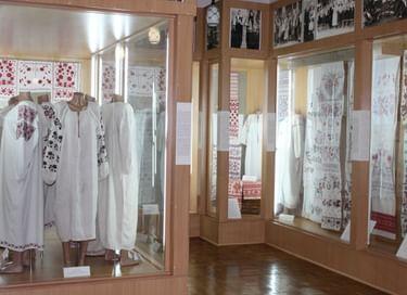 Выставка украинской вышивки им. В. С. Роик
