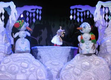 Спектакль «Как снеговики весну искали»