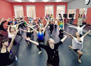 Школа джаз-модерн танца «Каннон Данс»